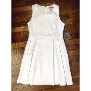 Forever 21 Contemporary White Pleated Dress (Med)